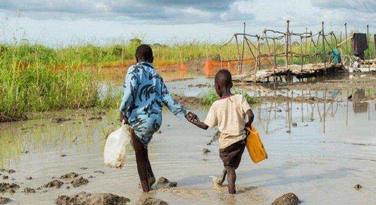 Watoto wakiwa katika kituo cha ulinzi wa raia huko Bentiu, Sudan Kusini katika picha hii ya mwaka 2014.