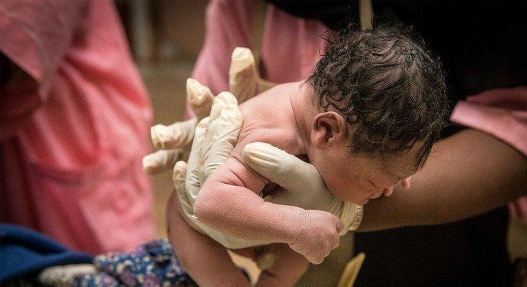 Más de 370.000 niños y niñas nacerán en todo el mundo el Día de Año Nuevo