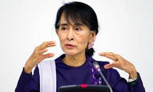 Aung San Suu Kyi, líder da oposição e Prêmio Nobel da Paz