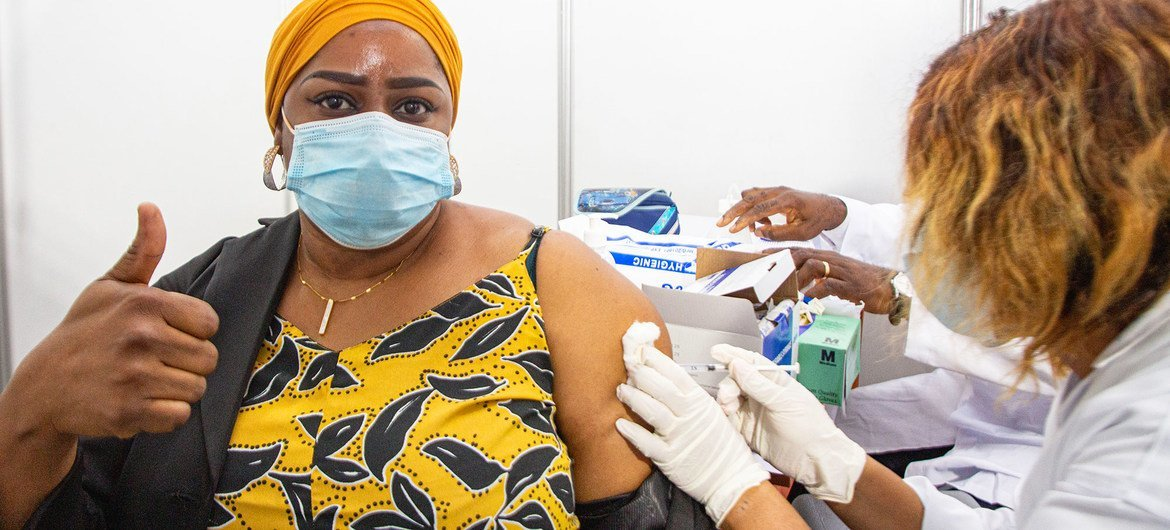 Ghana and Côte d'Ivoire begin history-making COVAX vaccination drives