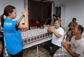 Brasil: refugiados venezuelanos em Manaus aprendem a como se proteger do covid-19.