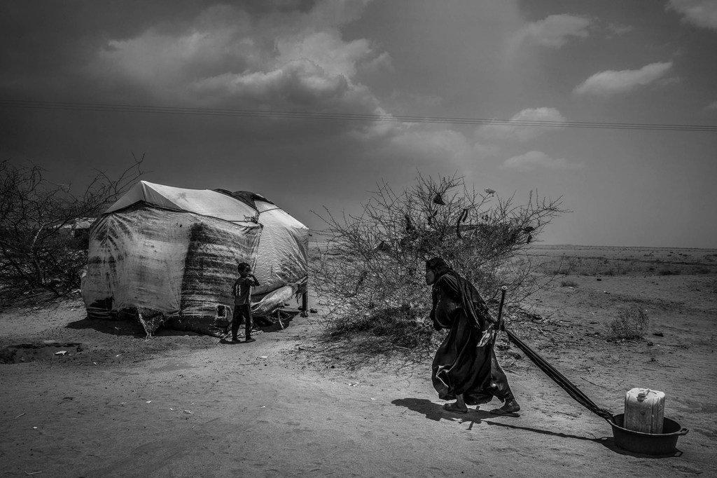 Des millions de Yéménites dépendent de l'aide humanitaire pour survivre, comme cette femme d'Abs dans le nord du Yémen.
