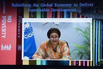 A vice-secretária-geral da ONU, Amina Mohammed, discursa em reunião virtual focada no desenvolvimento sustentável e na economia global.