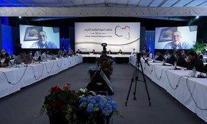 المبعوث الخاص للأمين العام ورئيس بعثة الأمم المتحدة للدعم في ليبيا، يان كوبيش أثناء إلقاء كلمته في افتتاح جلسة ملتقى الحوار السياسي الليبي المنعقد في سويسرا - 1 تموز/يوليه 20201