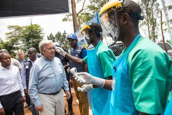 Le Secrétaire général de l'ONU, António Guterres,visite le Centre de traitement d'Ebola de Mangina, dans l'est de la République démocratique du Congo, le 1er septembre 2019.