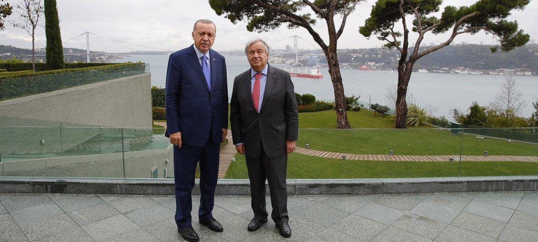 Turkish President Recep Tayyip Erdogan, (left), and United Nations Secretary-General António Guterres meet in Istanbul.