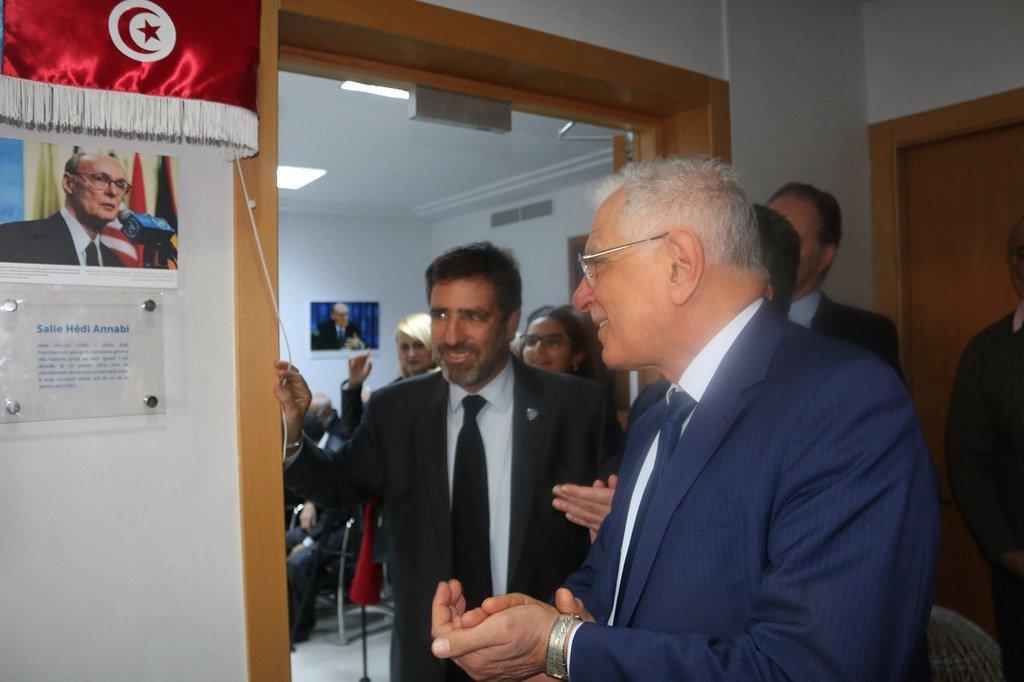UN Tunisia/Ammar Louati منظمة الأمم المتحدة بتونس تحتفي، بالتنسيق مع الجمعية التونسية للأمم المتحدة، بالذكرى العاشرة لرحيل هادي العنابي، وتدشن قاعة باسمه في مقر المنظمة