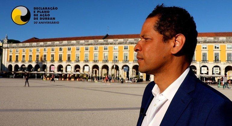 Jornalista e apresentador de telejornal João Rosário, nascido em Cabo Verde, vive em Portugal há cerca de 50 anos