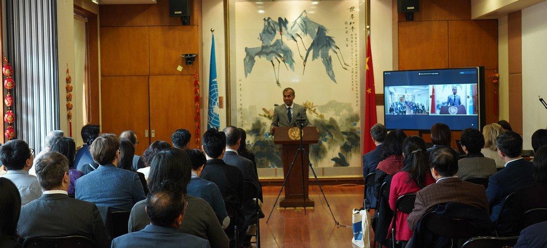 联合国驻华协调员常启德与联合国在华工作人员举行首次全体会议。