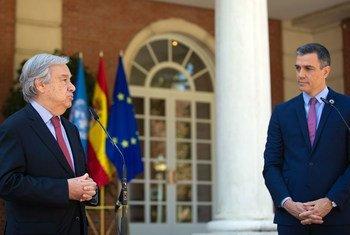 В Мадриде Генеральный секретарь ООН Антониу Гутерриш встретился с премьер-министром Испании Педро Санчесом.