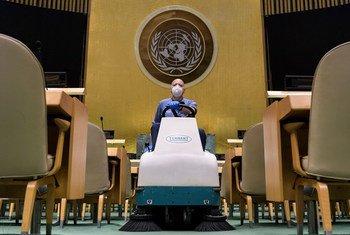 Зал Генеральной Ассамблеи на этот раз будет почти пустым, там будет присутствовать лишь по одному представителю от каждой страны.