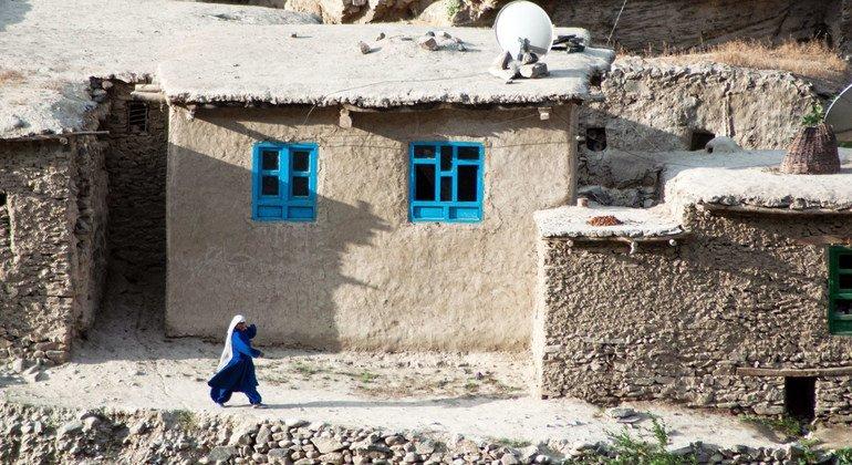 Acnur confirma 700 mil afegãos vivendo como deslocados