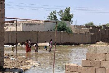 Kijiji kikiwa kimeathiriwa na mafuriko katika jimbo al Khartoum, Sudan.