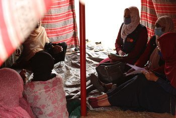A rapid needs assessment team from UNFPA visits women affected by recent floods in Khartoum, Sudan.