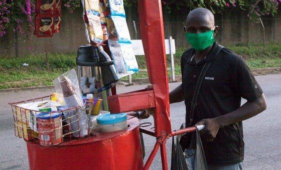 Vendedor ambulante durante a pandemia de Covid-19