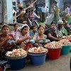 Des femmes vendent des œufs sur un marché de Sittwe, la capitale de l'État de Rakhine, au Myanmar. (archive)