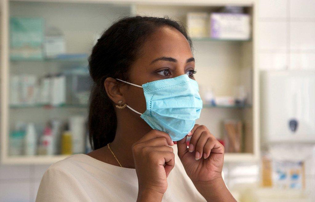 L'OMS conseille de porter le masque même pendant la période des fêtes de fin d'année et de réunions familiales