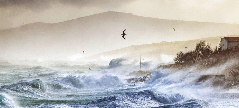 Conditions météorologiques extrêmes en mer Adriatique à Razanac, en Croatie.