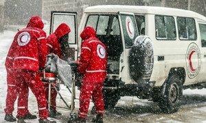 منظمات مثل الهلال الأحمر والصليب الأحمر الدوليين تقدم المساعدة لجهاز الصحة السوري