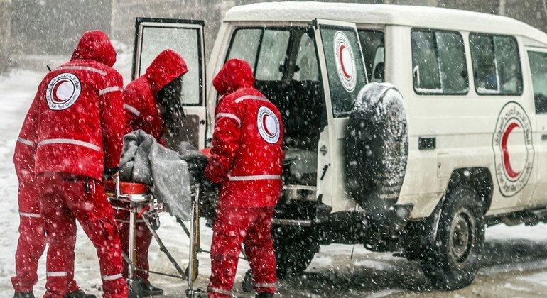 Organizaciones como la Cruz Roja y la Media Luna Roja están atendiendo a la población siria.