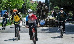 Dans le cadre d'une mobilité active pour des villes saines, la marche et le vélo doivent être encouragés