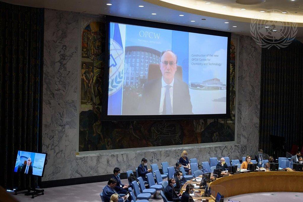 فرناندو آرياس، المدير العام لمنظمة حظر الأسلحة الكيميائية (OPCW)، يطلع مجلس الأمن على الوضع في الشرق الأوسط (سوريا).