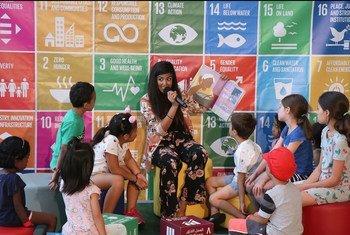 Clube de Leitura em Língua Portuguesa promove os Objetivos de Desenvolvimento Sustentável, ODSs, da ONU por meio de livros infantis.
