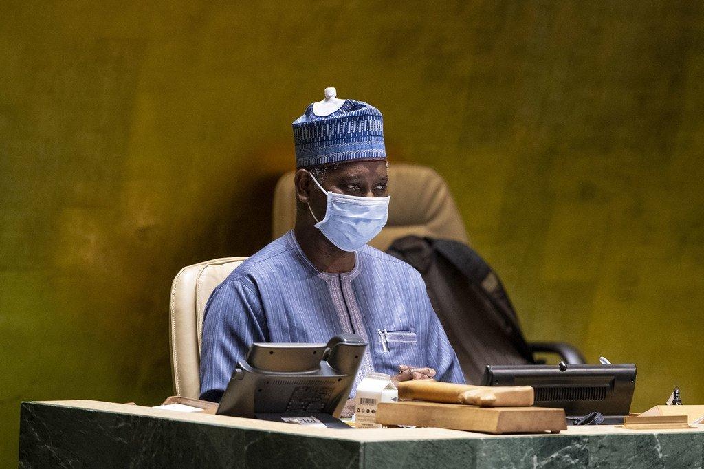 رئيس الجمعية العامة تيجاني محمد باندي في اجتماع بالدول الأعضاء جرى وجه لوجه لأول مرة منذ آذار/مارس.(من الأرشيف).