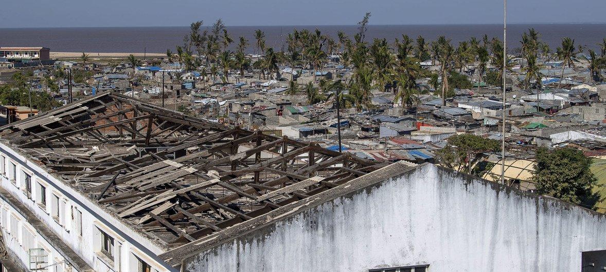 मोज़ाम्बीक़ के बेइरा इलाक़े में इडाई तूफ़ान द्वारा हुई तबाही. (25 जून 2019)