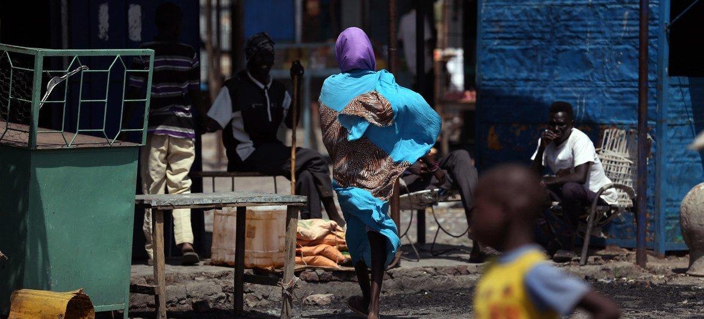 南苏丹为躲避暴力而被迫逃亡的境内流离失所者。(2018年1月图片)