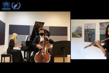 """为庆祝联合国成立75周年,联合国室内乐协会与音乐团体""""虚拟创意""""(VIRTUA CREATIVE)合作,推出了一场题为《75年的爱》的在线主题音乐会。"""
