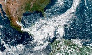 美国宇航局的卫星图像显示,飓风埃塔(Eta)袭击了中美洲。