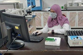 Исcледовательская лаборатория в секторе Газа, где два млн человек могут столкнуться с разрушительными последствиями COVID-19