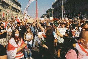 Уже несколько месяцев в Беларуси продолжаются массовые протесты, которые жестко подавляют силы безопасности.