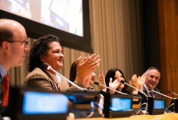 El cantante Carlos Vives participa en la cumbre de la Alianza de Impacto Latino 2019 en la sede de la ONU en Nueva York.