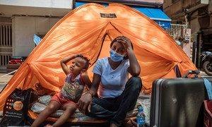 Мигранты в Ливане, потеряв работу, остались без жилья.