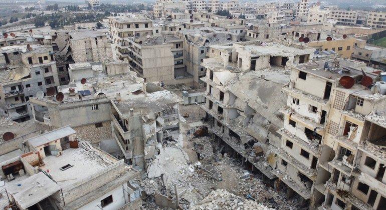 Estados Unidos debe levantar las sanciones a Siria y permitir su reconstrucción, dice experta de la ONU