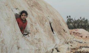 انخفضت درجات الحرارة في مخيمات النزوح بشمال غرب إدلب إلى -10 درجات مئوية
