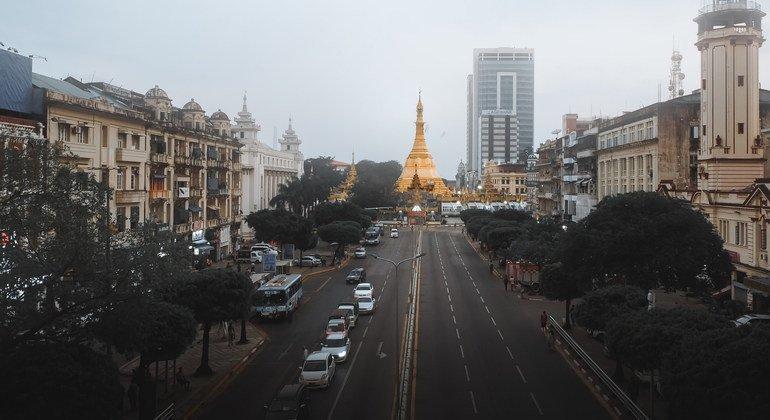 缅甸仰光街景。