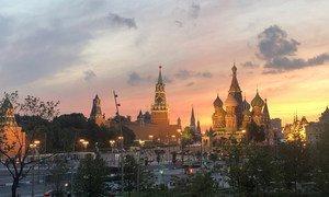 夏日黄昏时分的莫斯科克林姆林宫。