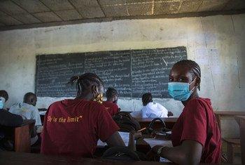 Les étudiants retournent à l'école à Juba, au Soudan du Sud, après plus de quatorze mois de fermeture en raison de la Covid-19.