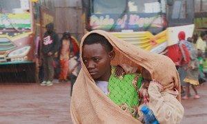 在布隆迪马卡姆巴省马班达的过境中心,一名从坦桑尼亚返回的布隆迪人。 (2018年4月24日图片)