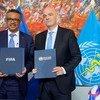 世卫组织总干事谭德塞与国际足联主席詹尼·因凡蒂诺签署了一项为期四年的合作协议,通过足球促进健康的生活方式。
