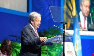 Le Secrétaire général de l'ONU, António Guterres, à l'ouverture d'une réunion ministérielle de la CNUCED à la Barbade.
