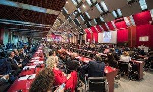 Parlamentarios de todo el mundo reunidos en Belgrado (Serbia) durante la 141ª Asamblea de la Unión Interparlamentaria en octubre de 2019.