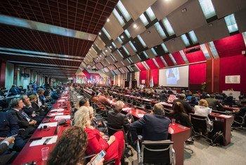 Reunião da UIP em Belgrado, na Sérvia, em 2019. Videoconferências aumentaram 72% entre 2018 e 2020