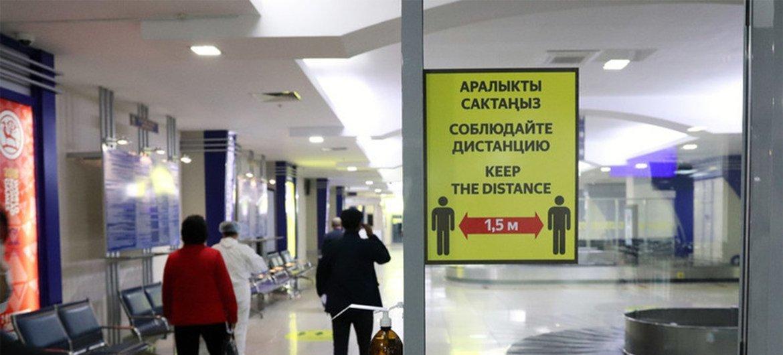 Um em cada três destinos está parcialmente fechado e 36% requerem testes negativos de Covid-19 para permitir a entrada