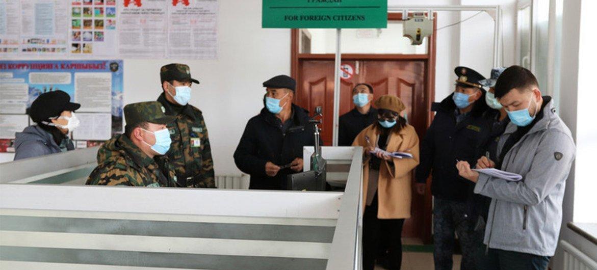 Пандемия ослабила торговлю. На фото – Кыргызстан во время карантина