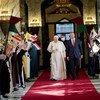 El Papa Francisco junto al Primer Ministro iraquí Mustafa Al-Kadhimi en Bagdad.