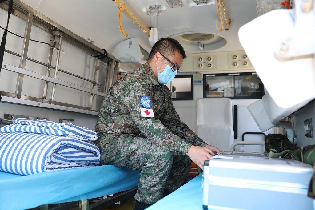 Hospitali ya walinda amani wa UN kutoka China kwenye ujumbe wa UNIFIL ikiwa tayari imeandaliwa kupatia matibabu manusura wa mlipuko kwenye mji mkuu wa Lebanon, Beirut.